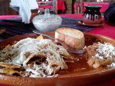 Chilaquiles con frijoles en Fonda Lupita en San Sebastián del Oeste Jalisco.