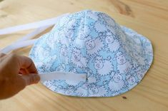 Sewing Baby Clothes, Baby Sewing, Baby Bonnets, Kids Hats, Nike Outfits, Baby Hats, Beanie Hats, Headbands, Sewing Projects
