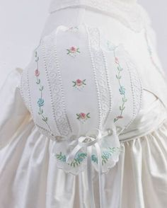 The flower girl dress shown is made with embroidery designs taken from Custom Keepsakes' Gals and Dolls Collection. Love Sewing, Sewing For Kids, Baby Sewing, Dress Sewing, Lace Flower Girls, Flower Girl Dresses, Girls Dresses, Hand Embroidery, Embroidery Designs