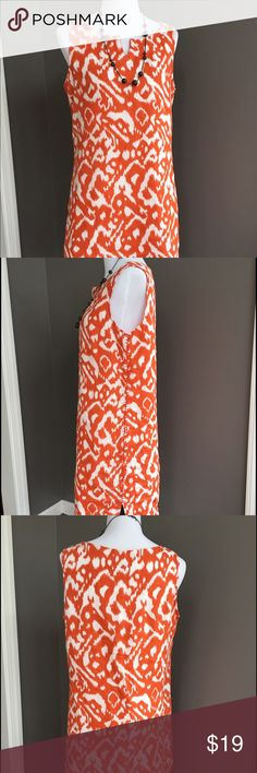 Tommy Hilfiger dress Perfect summer dress in a bright print. Linen shift dress from Tommy Hilfiger in size 10. Excellent content. Tommy Hilfiger Dresses