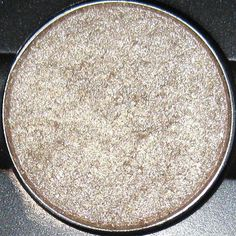 MAC Retrospeck eyeshadow-pretty all over the lid