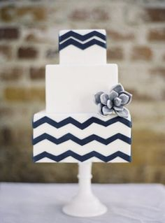 Navy and White Wedding Ideas. Navy and white wedding cakes. Chevron Wedding Cake.