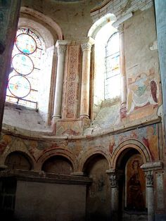 Abbatiale Saint-Savin (Saint-Savin, 1090) . Vienne. Poitou-Charentes Romanesque Art, Art Roman, Unesco, Poitou Charentes, Centre, Places To Go, Saints, Museum, France