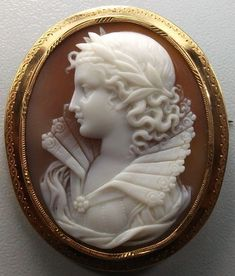 """Rarest Victorian Shell Cameo Brooch of  Queen Elizabeth the 1st""    A rather Victorianized Elizabeth, but still awesome."
