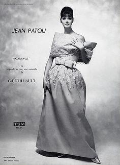 "Jean Patou P/E 1961 ""Garance"". Timeless Fashion, Vintage Fashion, Jean Patou, Vintage Ball Gowns, Gowns Of Elegance, Elegant Gowns, Vintage Glamour, Vintage Vogue, Gown Photos"