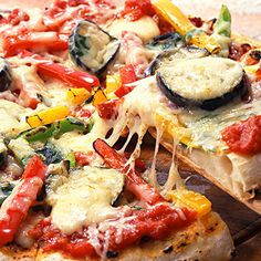 Veggie Pizza. No sugar calories. Almond flour crust.