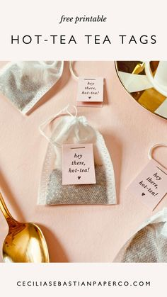 @cecilia.sebastianpaperco | ceciliasebastianpaperco.com | A homemade tea blend makes for a super thoughtful gift to share with all of the special moms in your life! Head to our blog to learn how to DIY these tea bags to create this sweet gift for Mother's Day! #teatags #DIYteabags #DIYtea #printableteatags #homemadetea #homemadeteablends #homemadeteabags #mothersday #bridalshower Diy Wedding Bouquet, Diy Wedding Favors, Diy Wedding Decorations, Loose Green Tea, Diy Tea Bags, Blueberry Tea, Tea Labels, Tea Tag, Diy Wedding Inspiration