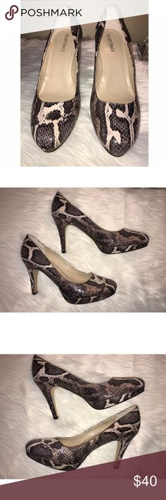 😍Ellen Tracy Snakeskin Heels 😍 Size 9 Ellen Tracy snakeskin Patton platform heels! Absolutely stunning and in great condition! Worn only once unfortunately they aren't the right size for me to keep them 😩 Ellen Tracy Shoes Heels