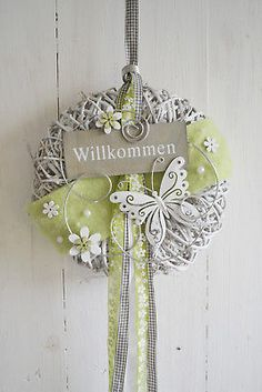 Diy Wreath, Door Wreaths, Diy And Crafts, Paper Crafts, Dipped Nails, Motif Design, Types Of Yarn, Wall Plaques, Vintage Crochet