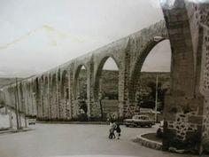 "Queretaro's famous aqueduct also known as ""Los Arcos"" circa1950."