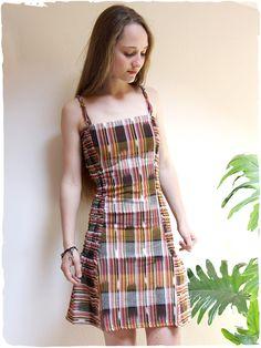 vestito estivo colorato Sara  Vestito estivo arricciato sui fianchi e  dietro 263f09156da