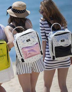 mochila topos- fondo blanco-3 Fashion Backpack, Pink, Backpacks, Bags, Shopping, Pockets, Hearts, White People, Handbags