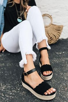 The Best Summer Shoes Looks For 2019 - The best summer shoes looks come from the most unique combinations of attires. We've got a list of 7 summer shoes that will make for a perfect addition to your dream summer looks! Cute Shoes, Women's Shoes, Me Too Shoes, Shoe Boots, Shoes Style, Trendy Shoes, Dance Shoes, Lace Up Heels, Pumps Heels