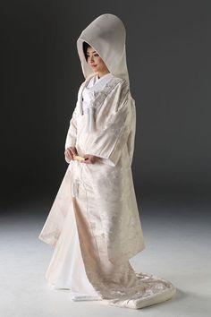 Traditional Wedding Attire, Traditional Outfits, Japanese Wedding Kimono, Japanese Outfits, Japanese Clothing, Kimono Dress, Beautiful Dresses, Normcore, Wedding Dresses