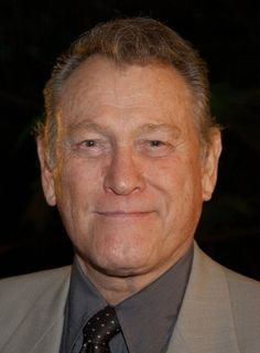 Pictures & Photos of Earl Holliman - IMDb