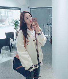 "11.2k Likes, 242 Comments - Hahm Eun Jung * (@eunjung.hahm) on Instagram: ""👗👚👖👠👡📿🛍 너무 예쁜 showroom 올해도 예쁜 #studiok"""