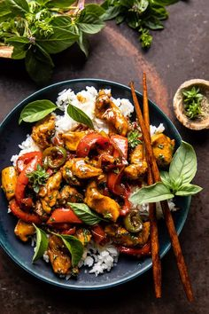 25 Minute Black Pepper Jalapeño Basil Chicken Stir Fry | halfbakedharvest.com Chipotle, Asian Recipes, Healthy Recipes, Ethnic Recipes, Asian Chicken Recipes, Protein Recipes, Healthy Meals, Risotto, Honey And Soy Sauce