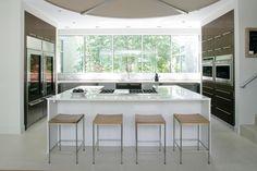 "Modern ""farm"" kitchen - open and bright"