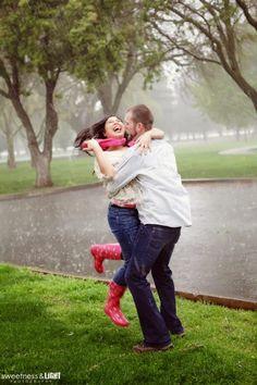 rainy engagement photos  nicole digiorgio sweetness and light photography