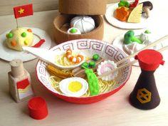 Food Crafts, Diy And Crafts, Crafts For Kids, Felt Play Food, Barbie Food, Food Stands, Felt Diy, Soft Dolls, Soft Sculpture