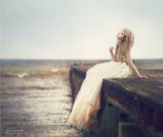 isn't she loveeeely on that dock?