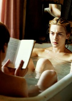 Kate Winslet in The Reader http://www.amazon.es/gp/product/B001O9AQXC/ref=as_li_tf_tl?ie=UTF8=3626=24790=B001O9AQXC=as2=hilerria-21