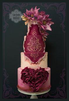 Baroque wedding cake by Ceca79 - http://cakesdecor.com/cakes/302580-baroque-wedding-cake #weddingcakes