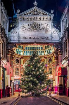 Leadenhall Market Christmas – Gracechurch Street, City of London