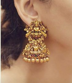 Temple jewellery available at Ankh Jewellery booking msg on Gold Jhumka Earrings, Jewelry Design Earrings, Gold Earrings Designs, Gold Jewellery Design, Gold Necklace, Ear Jewelry, Necklace Ideas, Bead Jewellery, Stone Earrings