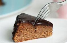 Chestnut Cake with Chocolate Glaze Recipe Chestnut Cake Recipe, Chestnut Recipes, Low Fat Desserts, Diet Desserts, Paleo Dessert, Delicious Desserts, Sweet Recipes, Cake Recipes, Conkers