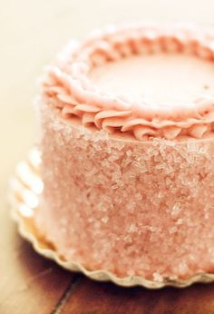 Serve with a lovely refreshing peach inspired iced tea Pretty Cakes, Beautiful Cakes, Raspberry Tea, Shades Of Peach, Amazing Wedding Cakes, Peach Trees, Just Peachy, Cake Tutorial, Cake Cookies