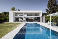 Gallery of F House / Pitsou Kedem Architects - 1