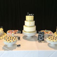 Dessert bar and wedding cake pairing