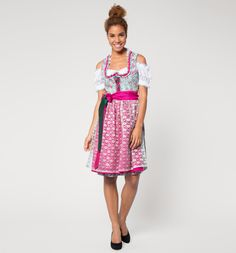 """The Oktoberfest is around the corner and everyone is excited about it! Packed beer tents, solid food and a great atmosphere - this is the """"Wiesn"""" in Munich. If you want to have an eye-catching outfit you need to take a look at our collection #Landhaus."""