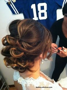 Love Wedding hairstyles for medium length hair? wanna give your hair a new look ? Wedding hairstyles for medium length hair is a good choice for you. Here you will find some super sexy Wedding hairstyles for medium length hair, Find the best one for you, Wedding Hairstyles For Long Hair, Fancy Hairstyles, Curly Hairstyles, Bridesmaid Hairstyles, Bridal Hairstyles, Hairstyle Ideas, Party Hairstyle, Medium Hairstyle, Romantic Wedding Hairstyles
