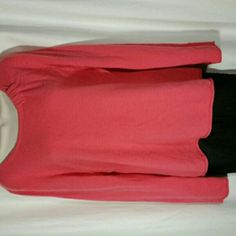 "Granite Hill 100% Cashmere sweater L Excellent quality cashmere in this cute sweater. 20"" across pit to pit, 25 "" back of neck to tail, 26"" shoulder to cuff. Garnet Hill Sweaters Crew & Scoop Necks"