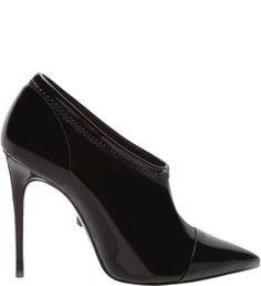 14859c00f Schutz Ankle Boot Black - Sexy e elegante, a ankle boot com salto fino esta