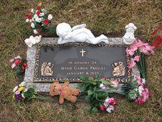Jessie Garon Presley's Grave (Elvis' twin)