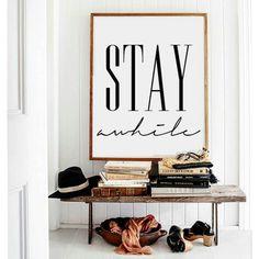Recibidor CHIC ... pequeños detalles marcan la diferencia #buenasnoches #goodnight #madera #love #deco #decoracion #interiores #interiordesign #luz #light #recibidor  #picoftheday #trucosparadecorar by trucosparadecorar