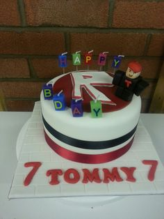 Tommy's simple Roblox cake with handmade model