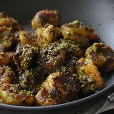 Green Masala Shrimp A quick and simple recipe for shrimp. This dish will go great with roasted potatoes, naan, roti or rice. Steamed or lightly sautéed veggies would also work, if you want a low carb option. I personally love sautéed baby broccoli wi Indian Prawn Recipes, Goan Recipes, Veg Recipes, Spicy Recipes, Curry Recipes, Easy Healthy Recipes, Seafood Recipes, Vegetarian Recipes, Chicken Recipes