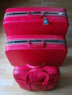 Vintage 1960s Samsonite Saturn Hot Pink Hard-Sided Luggage Set ...