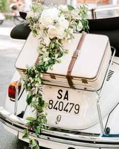 This Couple's Dreamy Italian Destination Wedding Could Have Been from a Fairy Tale : lisa greg italy wedding car convertable flowers Italian Wedding Dresses, Italian Wedding Cakes, Italian Weddings, Wedding Exits, Destination Wedding, Wedding Venues, Wedding Reception, Wedding Planning, Vespa Wedding