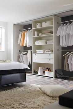 die besten 25 kleiderstange wand ideen auf pinterest kleiderstange selbstgebauter. Black Bedroom Furniture Sets. Home Design Ideas