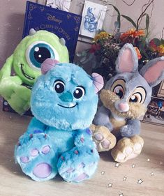 But giant ones you can snuggle up on ♡♡♡ Disney Stuffed Animals, Cute Stuffed Animals, Disneyland, Kawaii Plush, Cute Plush, Disney Plush, Disney Mickey, Peluche Lion, Cadeau Couple