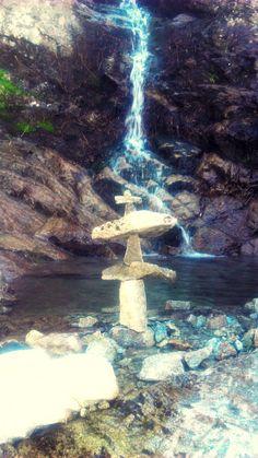 Vysoké Tatry - Žľab pod Veľkou Svišťovkou Stones, Bird, Mountains, Outdoor Decor, Home Decor, Homemade Home Decor, Rocks, Stone, Birds