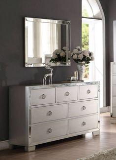 Voeville II Modern Platinum MDF Glass Dresser And Mirror