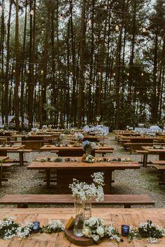 forest wedding dreamy pine Forest Wedding at Gunung Pancar Bogor Woodsy Wedding, Camp Wedding, Wedding In The Woods, Wedding Goals, Wedding Themes, Dream Wedding, Picnic Table Wedding, Woods Wedding Ideas, Camping Wedding Theme