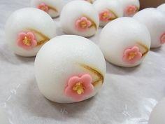 雪中梅(上用饅頭)  冬の上生菓子