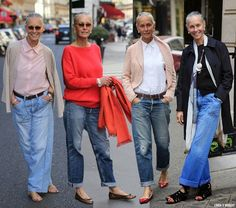 The first woman I admire for her style in 2017 is Linda V Wright. A former model and fashion editor born in Texas who lives in Paris since the 70's. She has two beautiful daughters a nephew and owns h